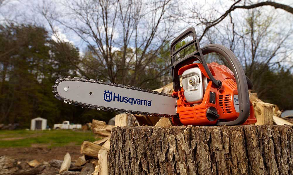 Husqvarna 240 2hp chainsaw review 952802154 16 inch buy now on amazon greentooth